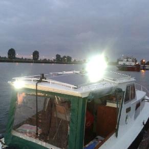 Led werklampen gemonteerd op schip