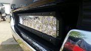 Combo Pro led light bar ingebouwd bij een Ford USA car