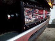 Ledbar gemonteerd voorzijde auto