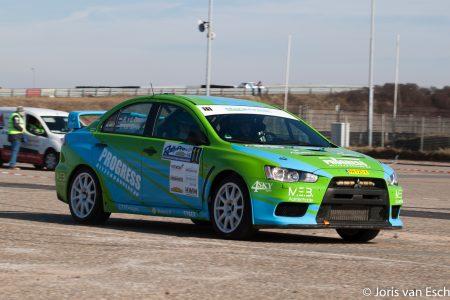 Ledbar gemonteerd op rallywagen VDZ racing