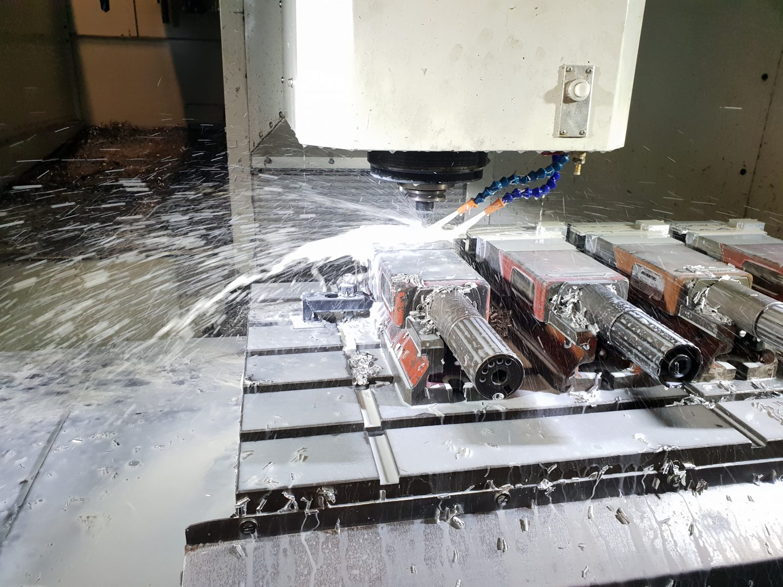 Freesmachine met led werklampen op 24V wisselspanning