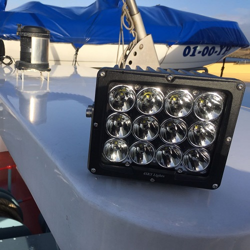 Led werklamp breedstraler op schip